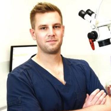 jakbu-dworaczek-stomatolog